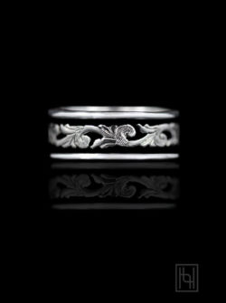 Classic Antiqued Silver Scroll Ring