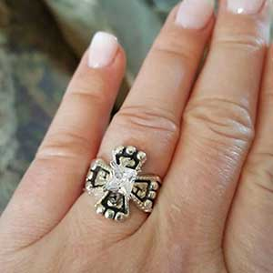 Hyo Silver Classic Cross Ring